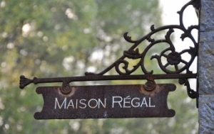 Maison Regal - aanhangbord